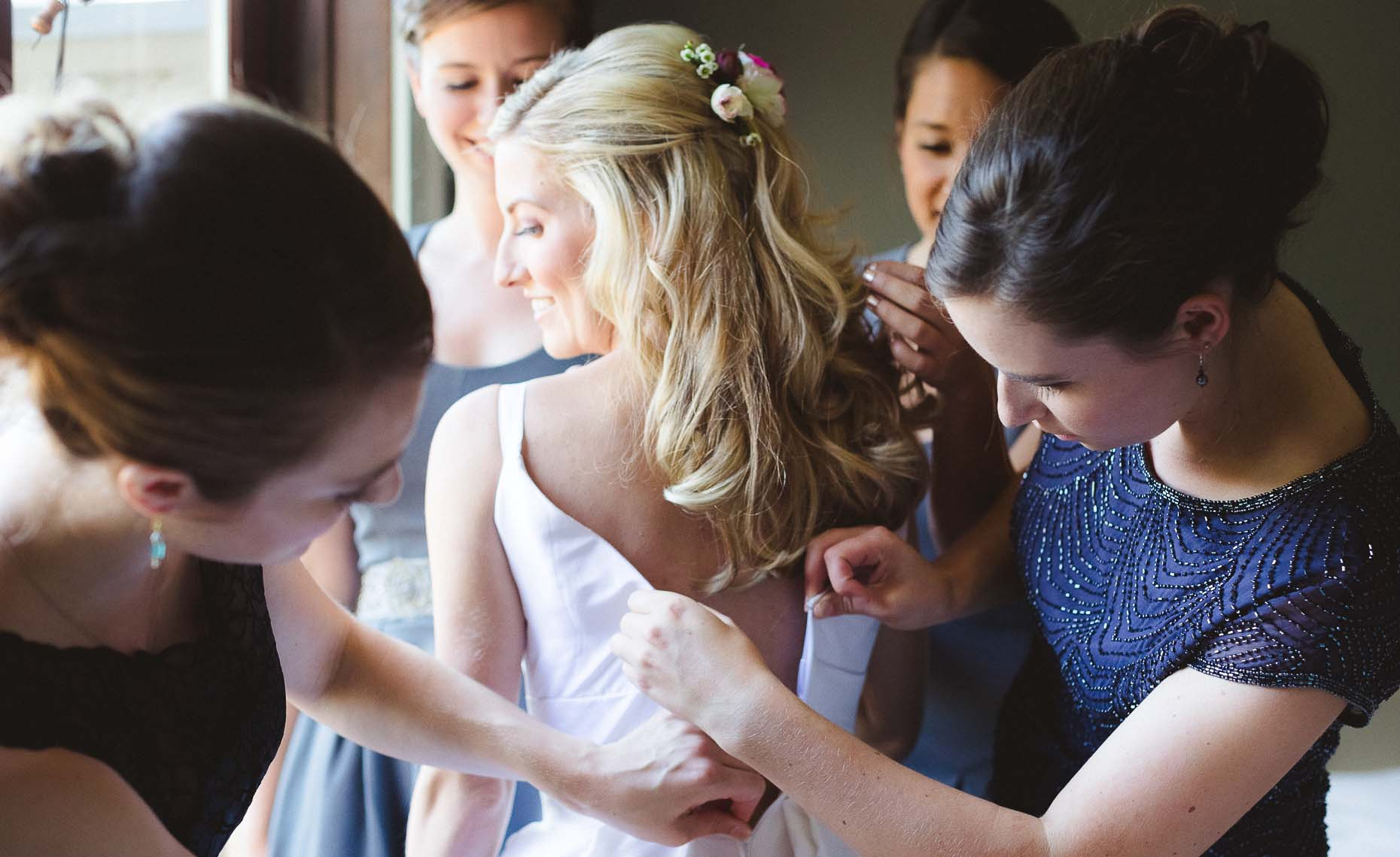 Bride gets ready in pemberton farm wedding.